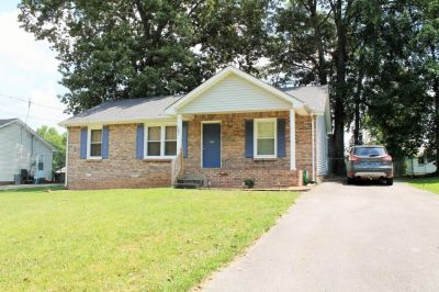 3 bedroom in Clarksville
