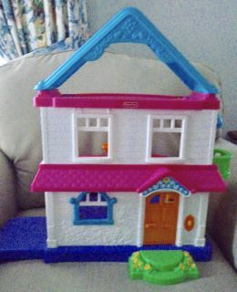 MY FIRST DOLL HOUSE FISHER PRICE