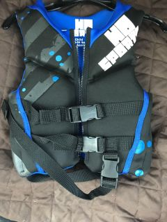 New h2o sports life vest