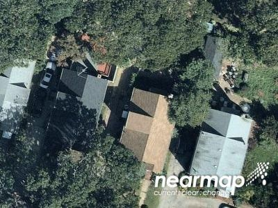 1.0 Bath Preforeclosure Property in Valley Stream, NY 11580 - Beech St
