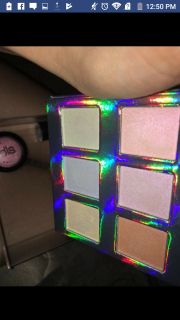 Naked cosmetics holographic highlight pallet