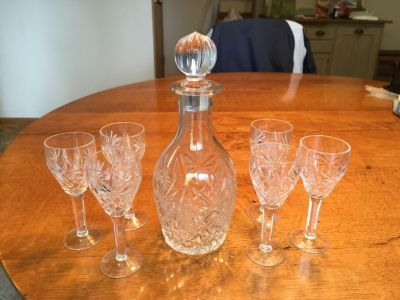Clear glass decanter and glasses set