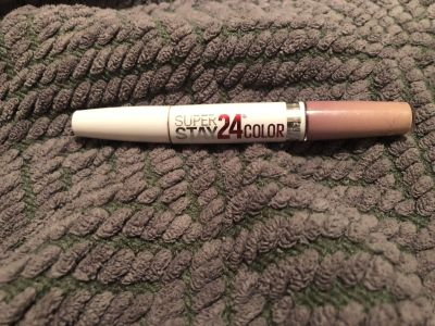 Never used maybelline super stay lip gloss.