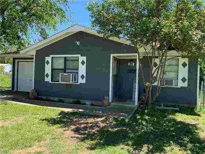 1108 Lackey Street BROWNWOOD Two BR, Adorable remodeled 2-1-1