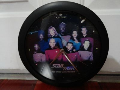 STAR TREK THE NEXT GENERATION ORIGINAL CAST & CREW PHOTO WALL CLOCK