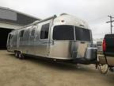 1989 Airstream Excella 32Ft Travel Trailer