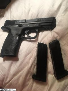 For Sale: Off Roster for Calif / Smith & Wesson M&P 40 S&W Pistol w/ 2 /15 Rd Mags