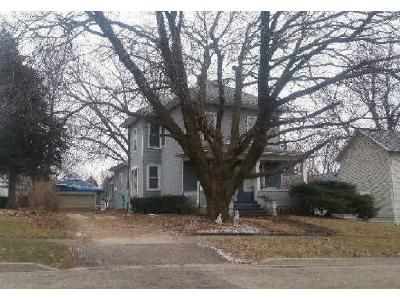 3 Bed 1 Bath Foreclosure Property in Walnut, IL 61376 - 4th Street