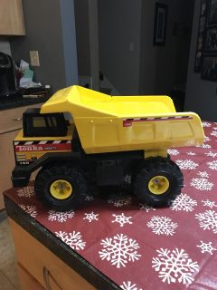 Tonka 768 Metal Dump Truck -about 10in tall..16in long