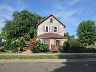 3 Bed 1 Bath Foreclosure Property in Winsted, MN 55395 - 1st St N
