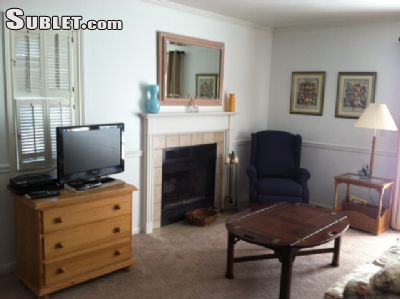 $1030 studio in New London County