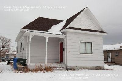 Single-family home Rental - 638 S Arthur Ave