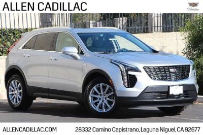 2019 Cadillac XT4 FWD Luxury (radiant silver metallic)