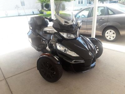 2015 Can-Am SPYDER RT-S SE6