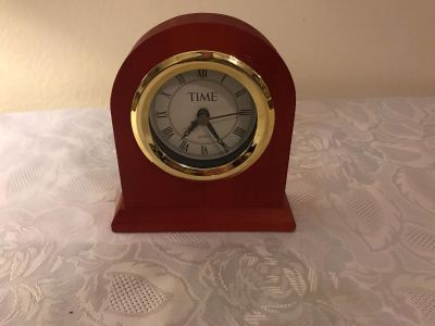 Time Desk Clock 5 x5-1/2 x1-1/2 . Battery Not Included. Works Great! EUC