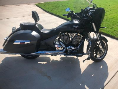 2014 Victory CROSS COUNTRY 8-BALL