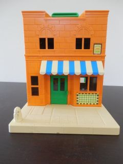 Sesame Street Muppets Hooper Store dollhouse w/furniture/figures and cars
