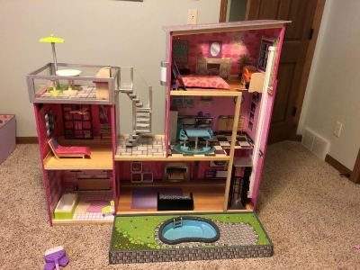 KidKraft Uptown Dollhouse with Furniture, Multicolor