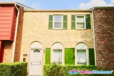 Lovely 3 bedroom, 2.5 bath Town home in Houston, TX