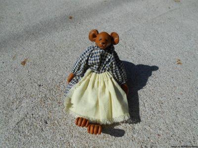Miniature ceramic bear
