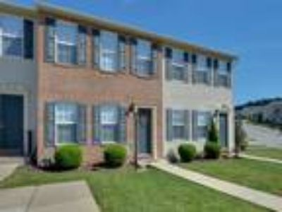 Lion's Gate - Two BR, 2.5 BA Townhome with Garage 2,026 sq. ft.