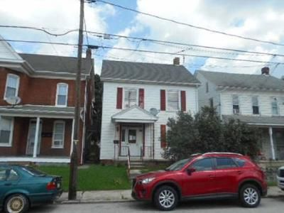 5 Bed 2 Bath Foreclosure Property in Hanover, PA 17331 - High St