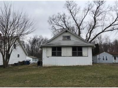3 Bed 1.0 Bath Preforeclosure Property in Mineral Ridge, OH 44440 - E County Line Rd