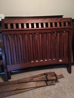 Convertible crib/daybed/ full bed
