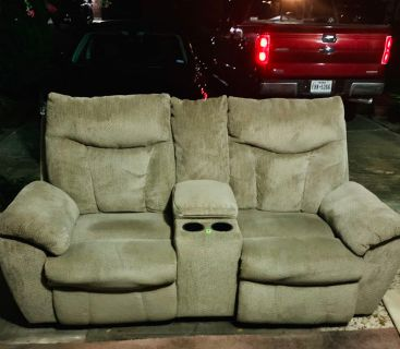Reclining couch and recliner