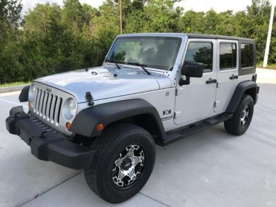2007 Jeep Wrangler Unlimited X (Silver)