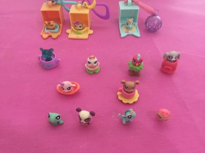 Littlest pet shop minis