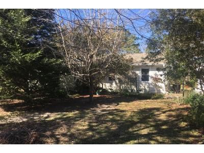 3 Bed 2 Bath Preforeclosure Property in Wilmington, NC 28409 - Hidden Valley Rd