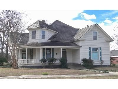 4 Bed 2 Bath Foreclosure Property in Amory, MS 38821 - 5th St S