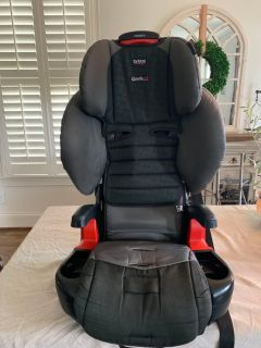 Britax Pioneer Combination Harness-2-Booster Car seat