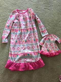 Doll and me night gown size 5/6