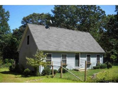 2 Bed 1 Bath Foreclosure Property in East Hampton, CT 06424 - Cove Rd