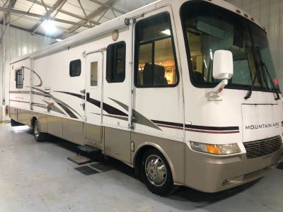 2001 Newmar MOUNTAIN AIRE 38