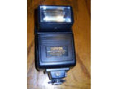 Sunpak Auto 433D Thyristor Flash for Canon