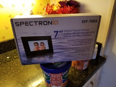 Brand New Spectrum Digital Photo Frame!