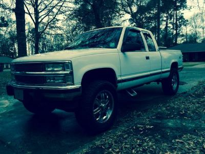 lifted 94 Chevy Z71 very nice condition 7300 obo