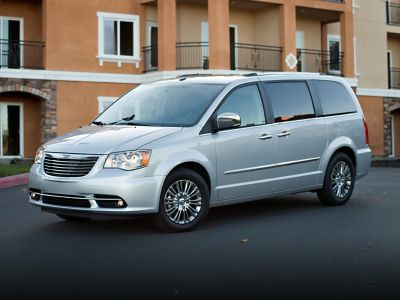 2012 Chrysler Town & Country Touring-L (Cashmere Pearlcoat)