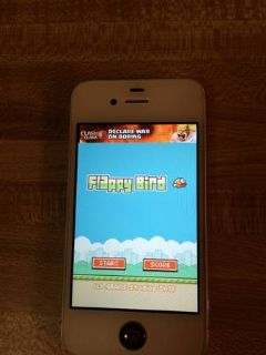 White IPhone 4s with Flappy Bird
