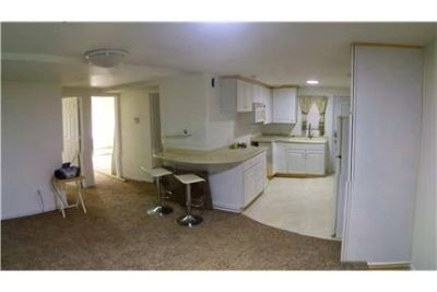 Grand Ledge 2 BR Apartment downtown