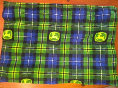 Small weighted lap blanket