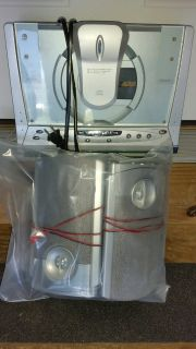 REDUCED AM/FM RADIO W/CD PLAYER AND 2/SPEAKERS