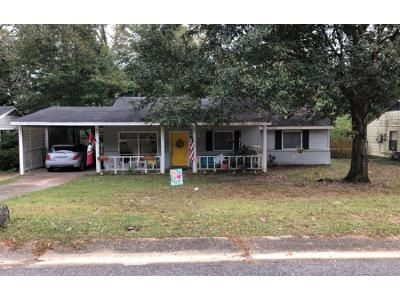 3 Bed 2.0 Bath Preforeclosure Property in Mobile, AL 36609 - Sunnyvale Ln W