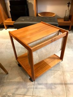 PBJ M bler Teak Table with Magazine Sleeve