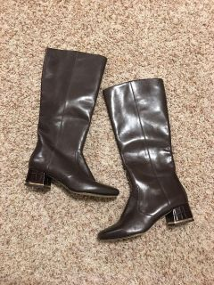 $120 NEW MICHAEL KORS Genuine leather boots. Size 8.