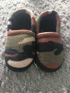 Camp house slippers