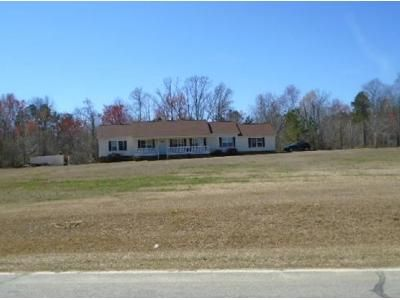 3 Bed 2 Bath Foreclosure Property in Whitakers, NC 27891 - Avent Rd